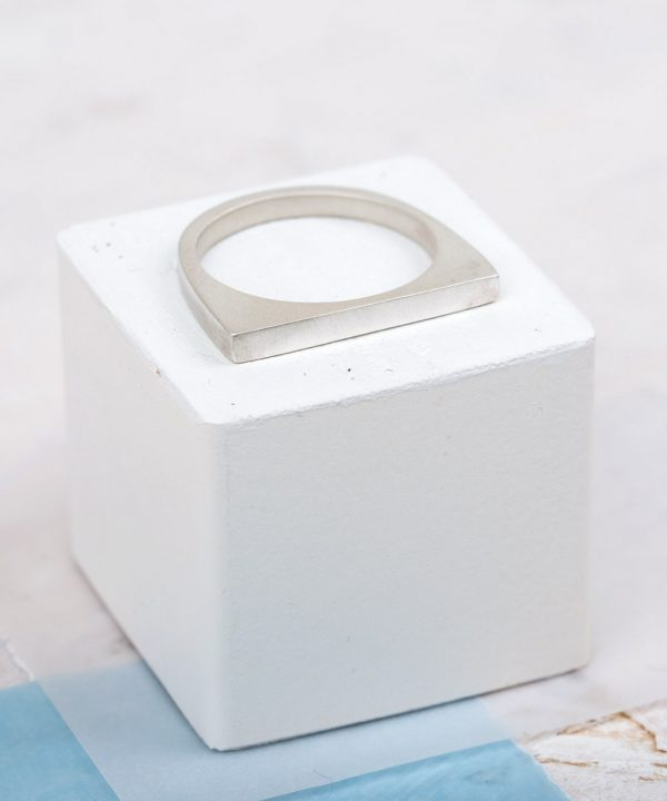 Small Geometric Stacking Ring